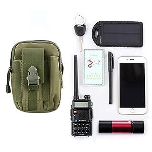 Puede colocar moviles, bolígrafos, llaves, tarjetas, bolso, el uso de auriculares, mp3, etc.