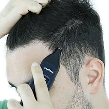 Cuenta con un motor potente y de alta velocidad que agrega más comodidad a su experiencia de corte el pelo. Con el cortapelos ELEHOT, obtendrás un buen ...