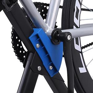 La abrazadera es adecuada para los tubos con el diámmetro de 25-60 mm. Las ranuras son para agarrar fuertemente el cuerpo de la bicicleta.
