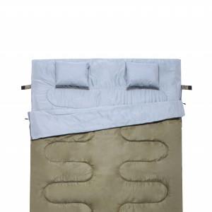 Dos almohadas extras. El saco de dormir ...