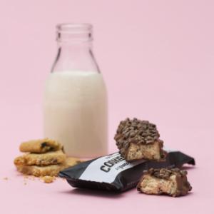 Barebells barra de proteínas chocolate blanco cacahuetes avellanas almendras galletas coco