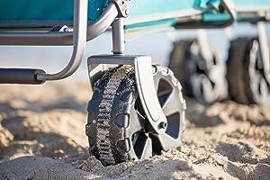 Con sus grandes ruedas, este carro se abre paso por todos los caminos de manera fácil y cómoda, incluso por la arena y a través del barro