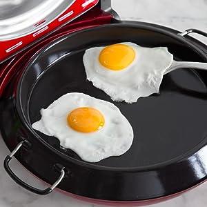 También puede utilizarlo como la clásica sartén esmaltada para freír (diámetro de 26 cm) para así preparar los platos más diversos, como tortillas o huevos.