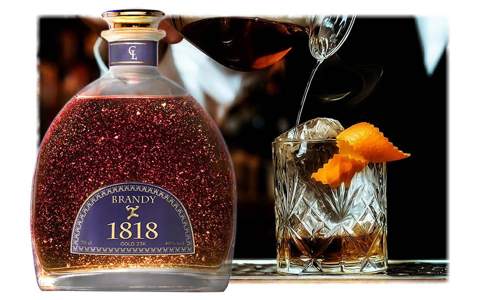 Color ámbar intenso, en nariz totalmente redondo, limpio y muy elegante con aromas a roble y madera tostada con matices de vainilla, canela y naranjas.