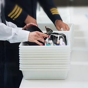 Esta bolsa sigue estrictamente las reglas 3-1-1 de todas las aerolíneas, lo que permite pasar las evaluaciones de seguridad del aeropuerto de manera rápida ...