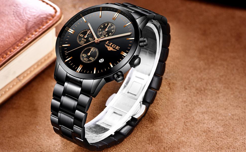 El clásico negro se combina con los tonos de oro rosa, muy bonito, le da al temperamento de la moda tradicional del reloj, te encantará
