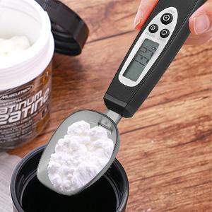 Pesaje de aceite y sal. Marcado con una escala clara para medir con precisión el volumen y el peso del fluido. Pesar leche en polvo