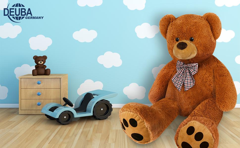 Los osos de peluche gigantes de Deuba encantan tanto a los mayores como a los pequeños!