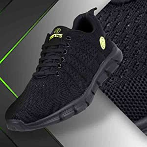 Top sports shoes in badged price