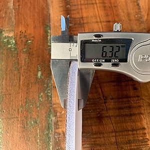 z2476 suole di memoria biped Primo piano con calibro a corsoio
