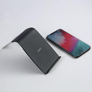 Una carica wireless più veloce Per una potenza di 10W per il Galaxy S9+ e 7,5W per iPhone XS