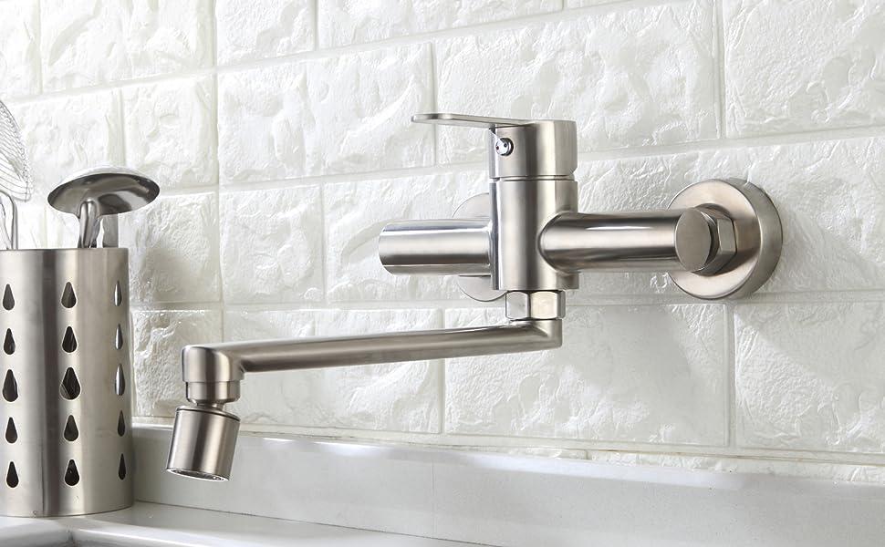 rubinetto cucina a muro