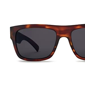 1510e3d16d Amazon.com  Kaenon Men s Montecito Polarized Rectangular
