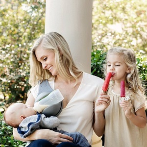 2cd4562e840 The Beebo is a free hand bottle holder designed to enhance the feeding time  for you