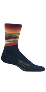 Farm to Feet Damascus Lightweight Elite Hiking 1//4 Crew Socks 8992