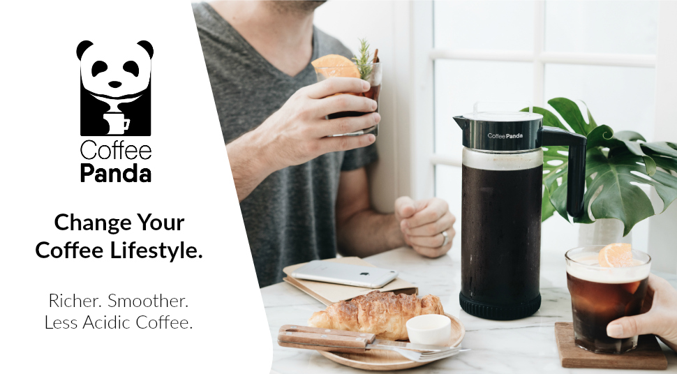 Heavy-Duty Glass Pitcher with Easy To Clean Reusable Mesh Filter