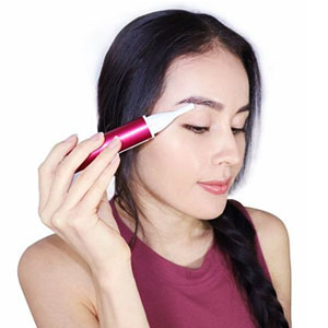 Eyebrow shape shaver will let you have a pair of eyebrows that look neat and clean.