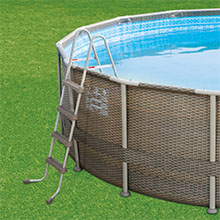 swimming pool ladder included in complete set