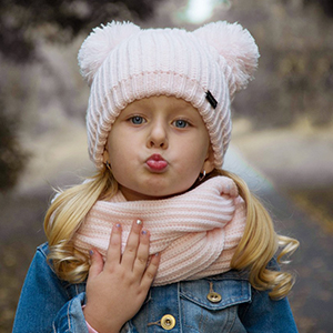 14540fb924b8 Amazon.com  Christmas Kids Toddler Girls Hats Boys Knit Beanie ...