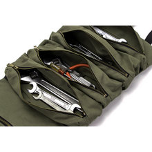 5 Spacious Zipper Pockets