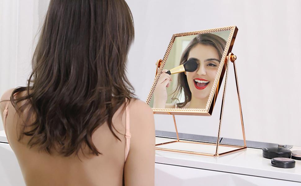 mekeup mirror
