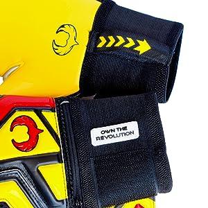 Renegade GK Talon Ignite Goalkeeper Nylon Puller Strap Plus Loop and Motivational Badge