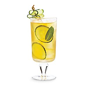 A cucumber and mint infused white tea refresher drink