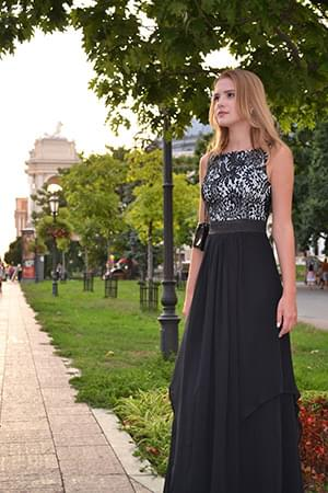 420a8e21b34 This gorgeous evening dress is perfect for any formal event. Wear it to  military balls