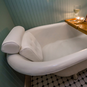 Amazon Com Viventive Luxury Spa Bath Pillow With Head