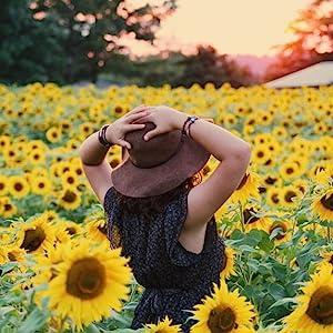 sunfloewr woman