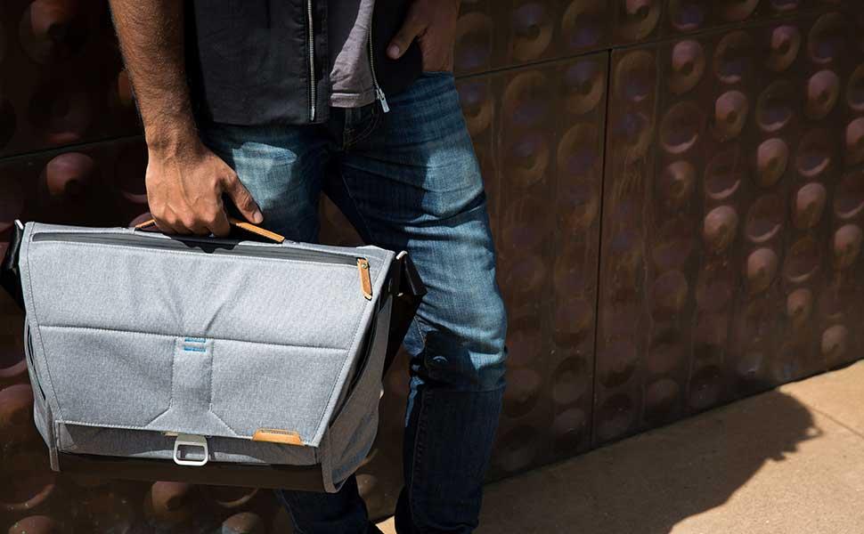 33c743f48344 Amazon.com   Peak Design Everyday Messenger Bag 13