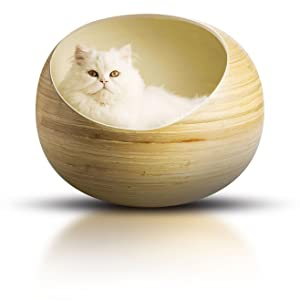 Fhasso pet beds are a comfortable hideaway for your cat, providing spacious security