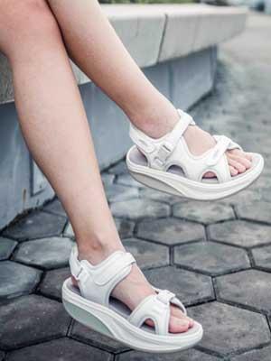 778fe9d777b9 Kisumu Leather Sandals
