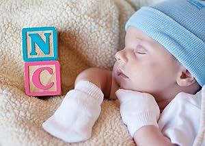 Amazon.com  5 Piece Hospital Hat   Mitten Set for Newborn Baby (Boy ... 59c580b0f