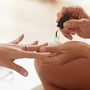 base coat application of the nail optimizer by prolana