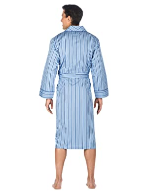 3648550d85 Nothing lets you kick back and relax around the house like this Noble Mount  Cotton Robe