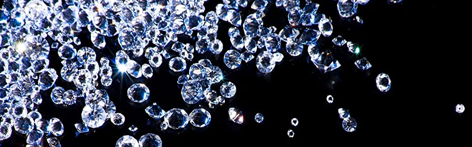 DIAMONDS MAY BE A GIRLS BEST FRIEND ❉ but the ultra-fine diamond dust in the Lillian Fache skin care line is a womans greatest ally.