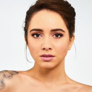 vegan organic gluten free cruelty free highlighter concealer makeup