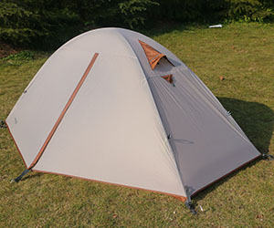 Zips and welding as crucial as fabric in tents performance.Remember to avoid tents with flimsy zipsloose stitching and exposed seams . & Amazon.com : Luxe Tempo Single 1 Person Tent 4 Season Freestanding ...