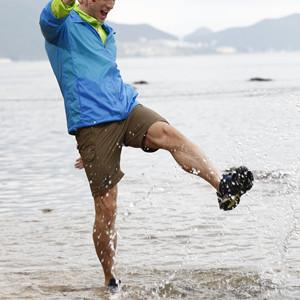 Clorts Mens Water Shoes Lightweight Quick Drying Hiking Sandal Kayaking Beach Walking Sneaker WT-05B-Red-US10