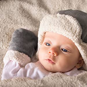 Amazon.com  JJ Cole Hat Set Graphite  Baby fa957cdda17