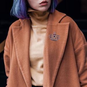 Alilang Amethyst Purple Colored Crystal Rhinestone Royal Princess Queen Crown Brooch Pin lapel