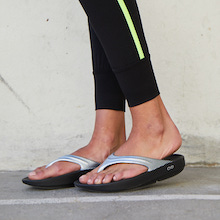OOFOS Women's OOlala Post Exercise Active Sport Recovery Thong Sandal