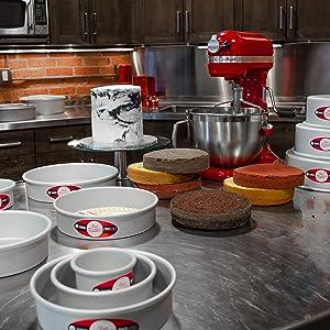 round cake pan, cake pan, cake, cake layers