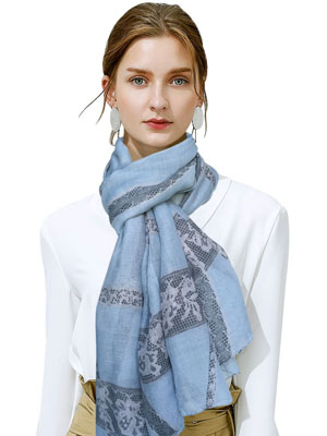 COZY LIGHTWEIGHT WOMEN'S SCARF