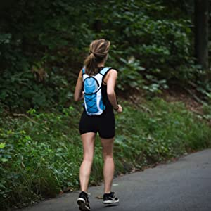 running hydration backpack, running backpack, lightweight hydration pack, camelback, water backpack