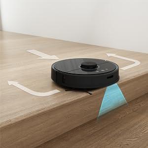 vacuum cleaner. robot vacuum