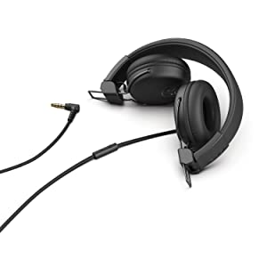The Studio headphones feature upgraded sound and a more refined look. Impeccable audio