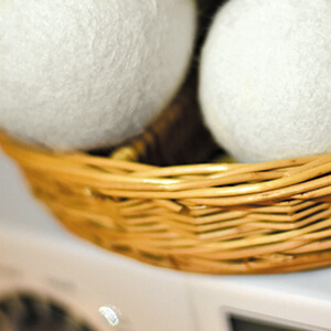 reusable laundry wool dryer balls reduce drying time lint static cling fluffier softer clothing