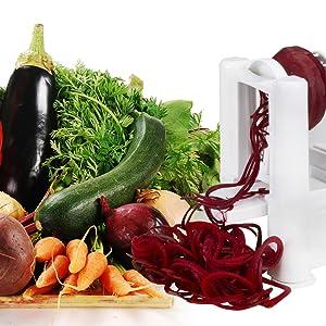 Brieftons 5 blade spiralizer processing vegetables
